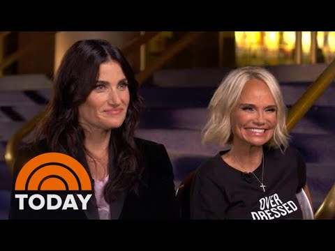 Idina Menzel And Kristin Chenoweth Reminisce About 'Wicked'  TODAY