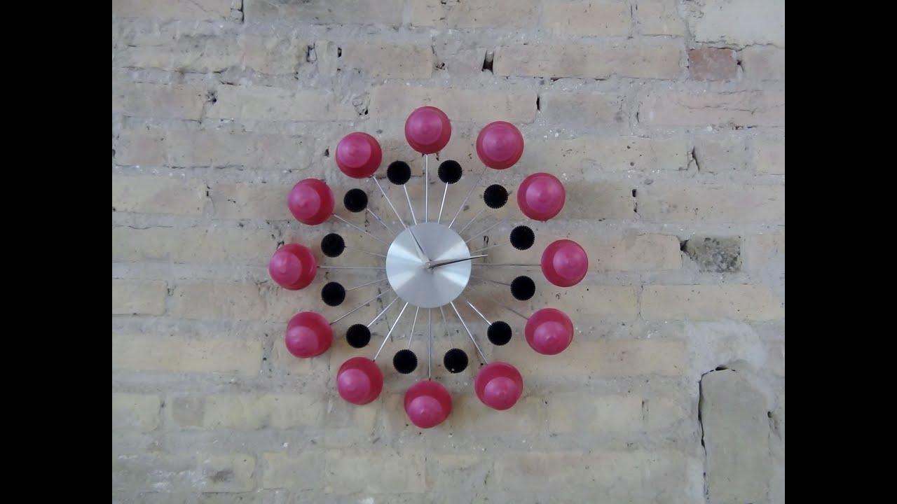Wall clock with recycled dolce gusto capsules reloj de - Relojes de pared originales decoracion ...