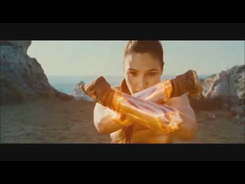 Wonder Woman Story (Gal Gadot)
