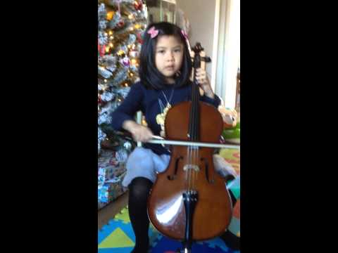 Cello - Christmas songs!! By 5 years old Amelie!