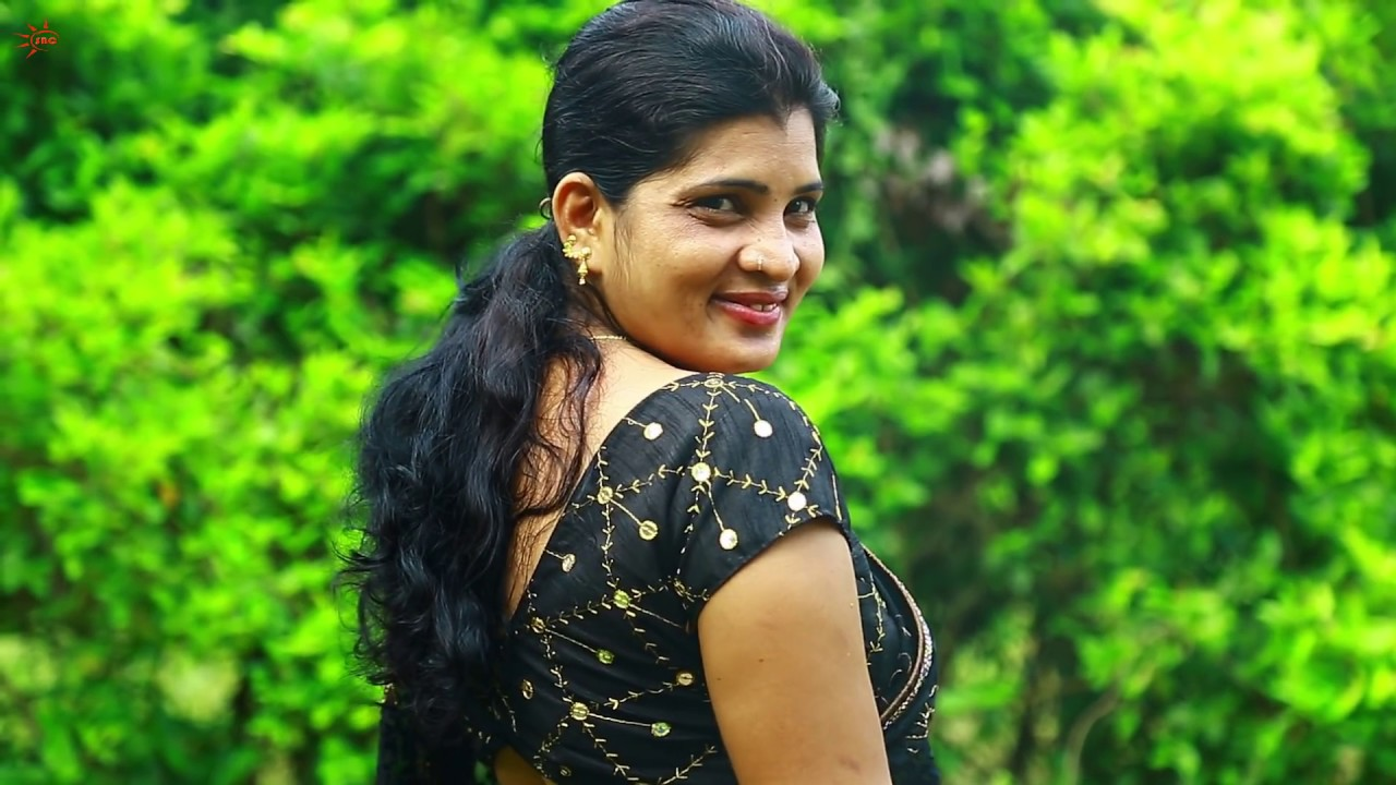 Download Saree draping Model Booty Show | Saree lover | Saree fashion | Saree photoshoot