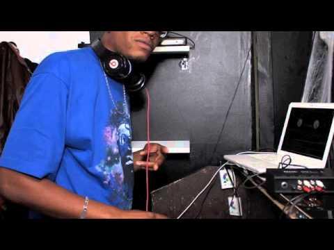 Dj Gwadison mix Octobre 2013 Admiral T, Dye dye, Magic feat Magic, Krys, Pull up mi bumper Saa'turn
