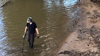 Metal Detecting in the RIVER!!! #88