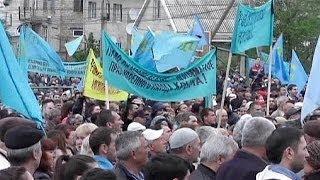 Crimean Tatars defy ban to mark anniversary of Soviet mass deportation