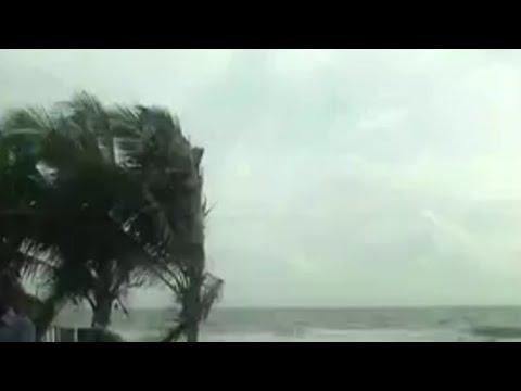 കേരളത്തില് കനത്ത മഴ,  ജാഗ്രത നിര്ദേശം Heavy rain in Kerala