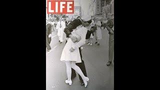 В США умер моряк с культовой  фотографии 1945 года «Поцелуй на Таймс-Сквер».