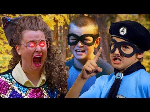 Summer Camp! - Leslie Hall - Full Episode