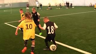 CZ2-Fc Yellow Junior z Kudełkiem w Legnicy pod balonem - Juventus Legnica - II meczyk