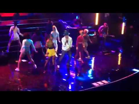 "Pharrell Performs ""Come Get It Bae"" At Apollo Theater"