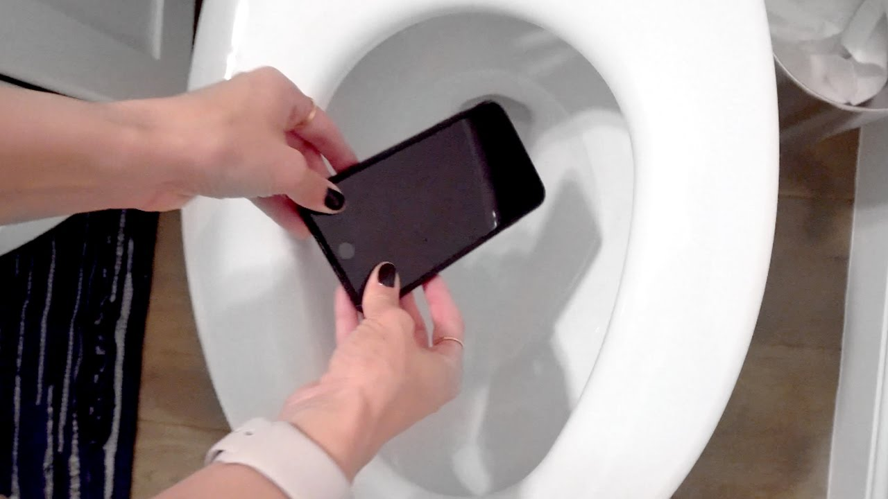 dropped my phone in the toilet doovi. Black Bedroom Furniture Sets. Home Design Ideas