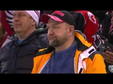 Такие разные эмоции  Болельщики после 7 го матча серии Авангард   Салават Юлаев