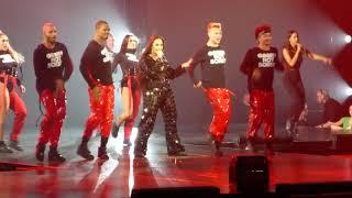 Demi Lovato - Sorry Not Sorry - Live In Paris  Tmy