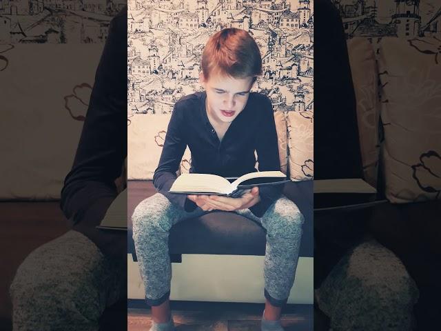 Изображение предпросмотра прочтения – KabardinecFun читает произведение «Обломов» И.А.Гончарова