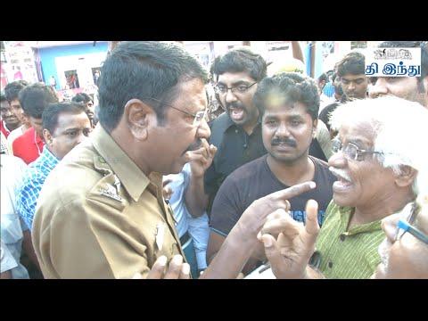 'Madhorubagan' Perumal Murugan's Supporters Argument in Chennai Book Fair | Tamil The Hindu