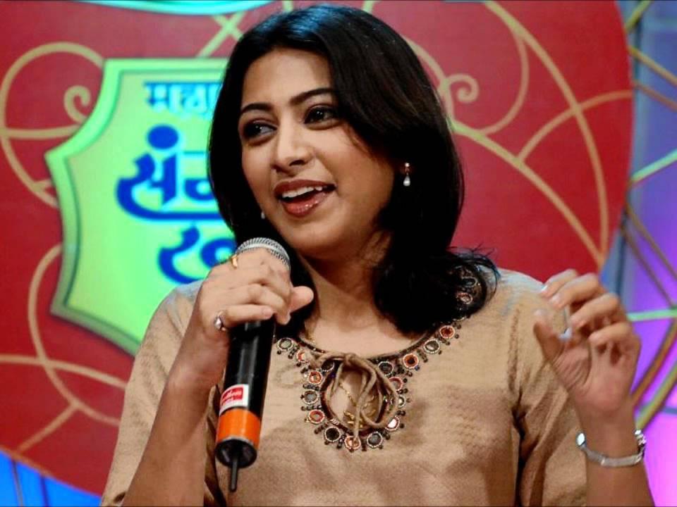 "Mona Kamat sings "" MERI JAAN"" originally sung by Geeta ..."