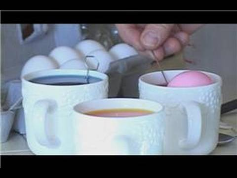 Easter Egg Dying : How to Color Easter Eggs With Food Dyes