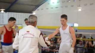 Combate en el gimnasio Manuel Mota de la Ciudad de Los Teques - Octubre 2014