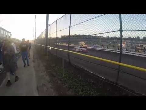 Track Side Late Models Qualifying At Volusia Speedway Park World Of Outlaws