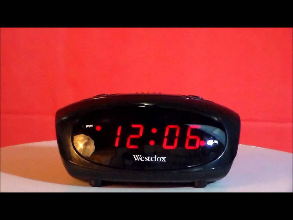 westclox 70044a digital led display alarm clock youtube rh youtube com