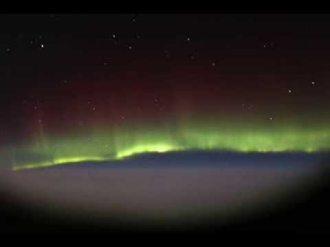 Aurora Borealis Makes For The Best In-Flight Entertainment Ever