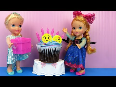 Annas BIRTHDAY party ! Elsa and Anna toddlers party with guests - Pinata - Cake - Gifts - Games