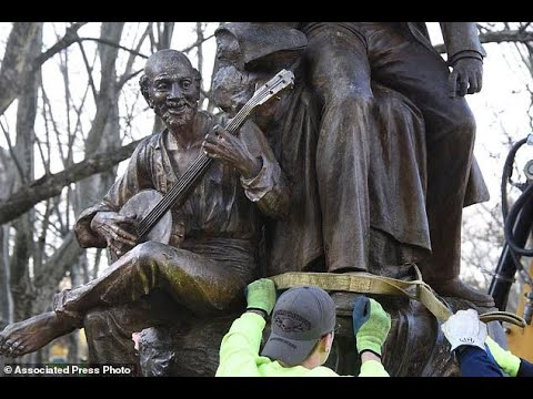 'Oh! Susanna' songwriter's statue removed amid criticism