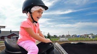 Оливия пошла в конный клуб брать уроки верховой езды. Конный спорт и Верховая езда в Магнитогорске.