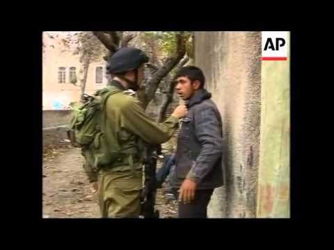 Israeli troops and Palestinians clash in Hebron, Nablus checkpoint
