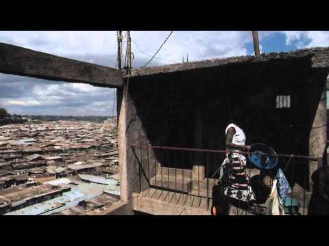 Gravir les marches : L'histoire de Jamii Bora (2011) (Climbing the Ladder in French)