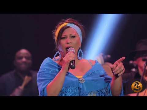 Maria Victoria-El Rey del Mundo Live