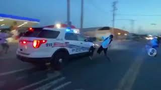 Policía en Detroit atropella a una docena de manifestantes