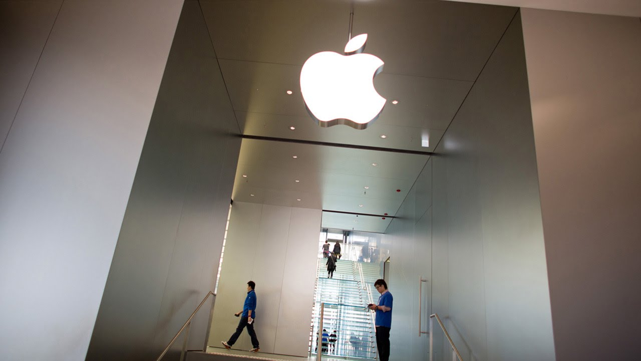 Apple Inc. (AAPL) Stock Selloff Continues After Analyst Downgrade
