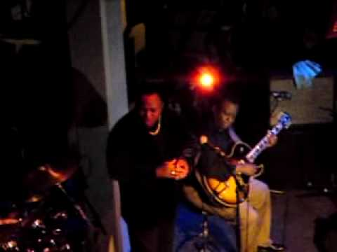 Ronny Jordan with guest vocal from George Benson - Straight No Chaser