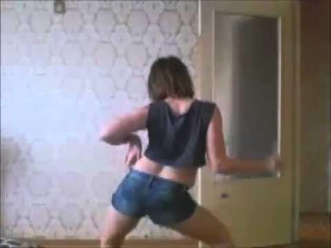 веб чат с танцующими девушками