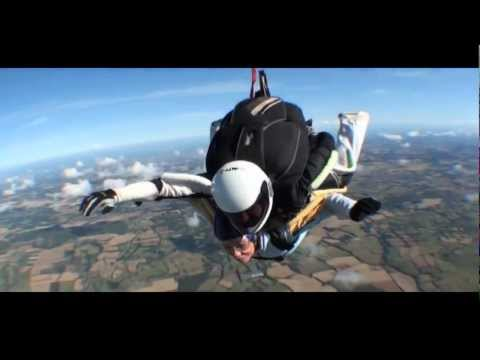 Skydiving at Headcorn | Holiday Extras & Kent MS Therapy Society