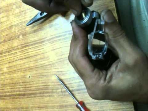 Standard otoscope bulb change