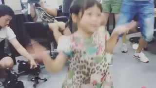 150913 Sarang dance to 'Mr.Taxi' with SNSD