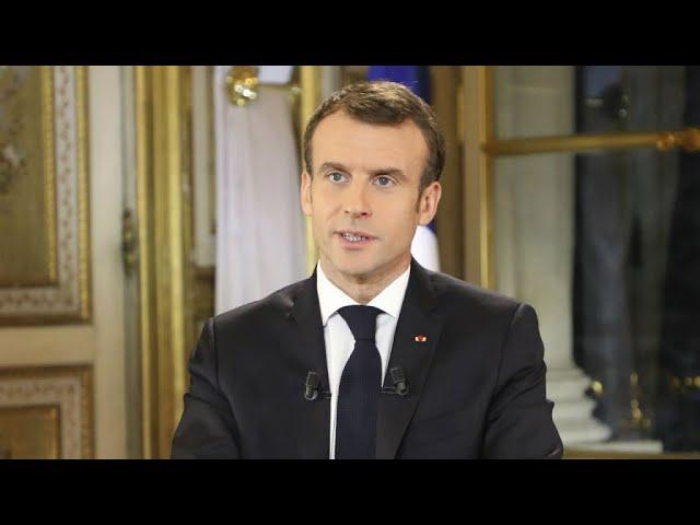 Smic, CSG, ISF... Revoir l'allocution d'Emmanuel Macron en pleine crise des Gilets jaunes