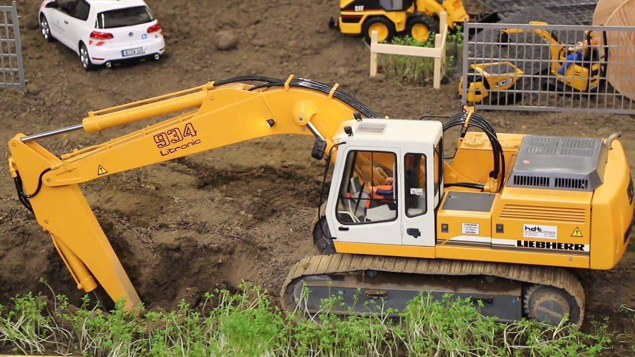 RC Liebherr 934 excavator - Intermodellbau Dortmund