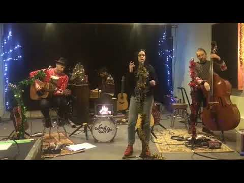 Amy Macdonald - This Christmas Day (Christmas Special Live From Glasgow 12-08-2017)