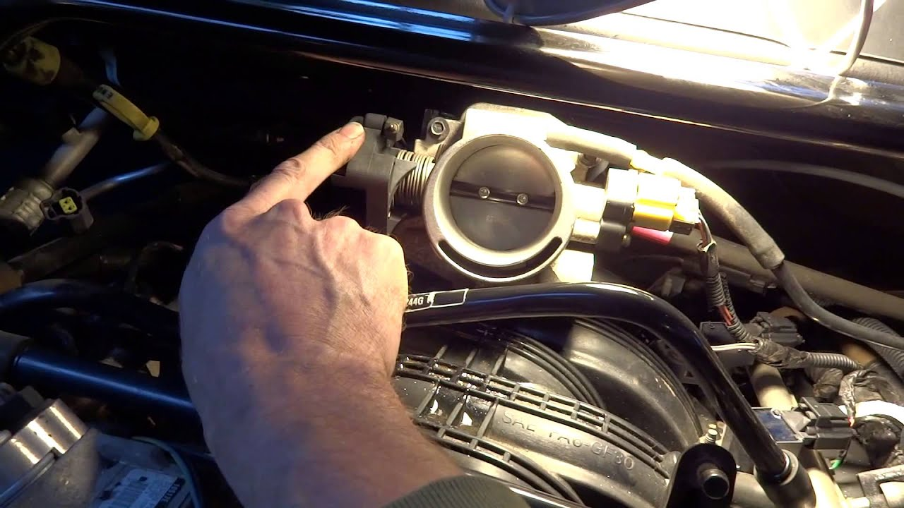 cleaning the iac valve on a 2005 jeep grand cherokee 3 7l