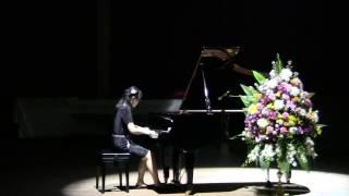 Vaew plays Debussy Arabesque No.1