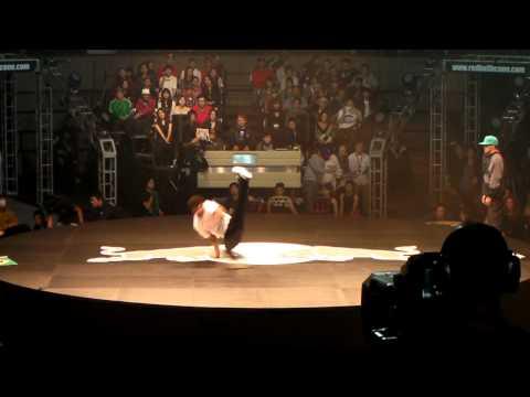 Red Bull 2010 Kapu Vs Luigi [HD]