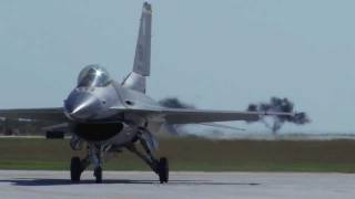 [HD] F-16 Amazing Aerobatic Maneuvers at the Randolph Air Show 2011 - Texas