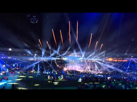 Auld Lang Syne - Glasgow 2014 Closing Ceremony