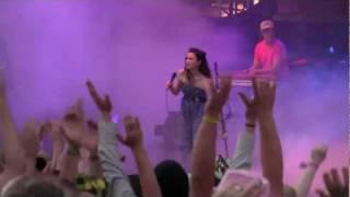 Jenni Vartiainen - Ihmisten Edessä (30.06.2011 Live @ Iskelmä Himos) [1080p HD]