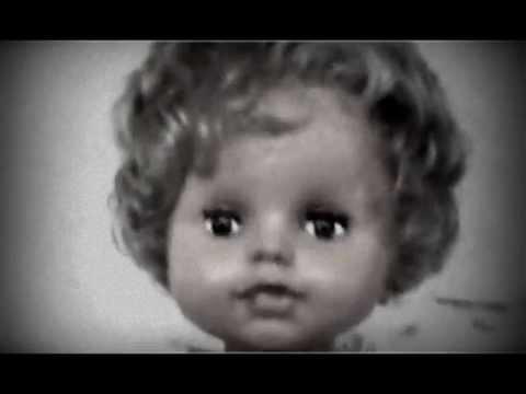 La poup e qui fait peur youtube for Miroir qui fait peur