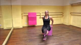 Potenziamento muscolare a corpo libero: allenamento completo a piramide con esercizi da fare a casa
