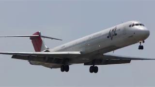 JA8556 JAL MD-81 RWY32L LD100430
