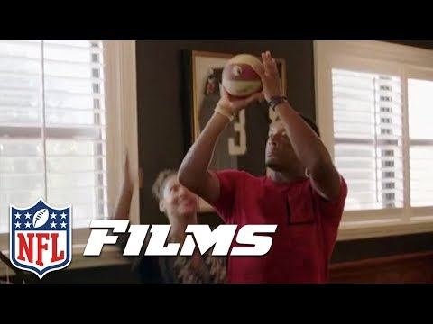 Jameis Winston Pop-A-Shot Shooting Contest with Girlfriend | Hard Knocks with the Tampa Bay Bucs
